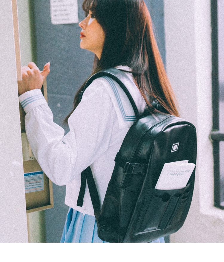 DOCUMENT BACKPACK (BLACK)