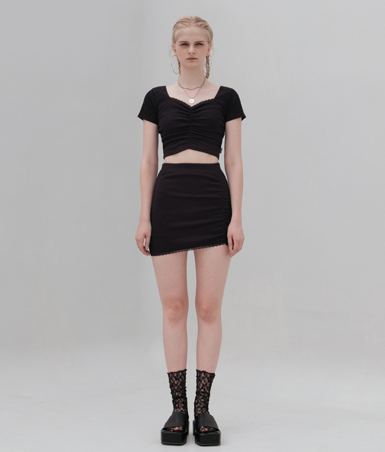 HIDE Lace Crop Top (1/2) (Black)HIDE Lace Skirt (Black)SET