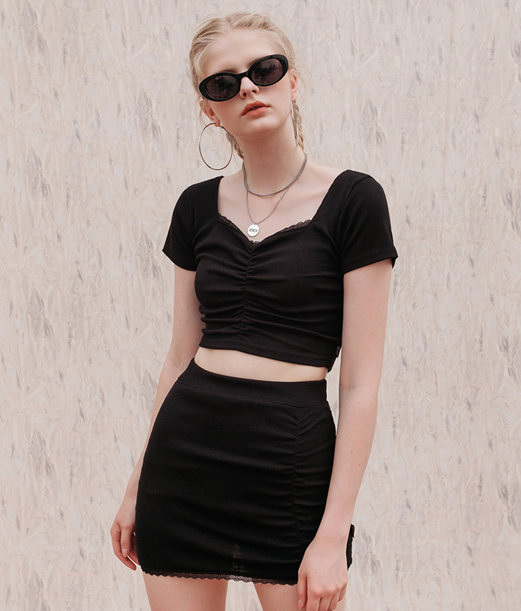 HIDE Lace Crop Top (1/2) (Black)