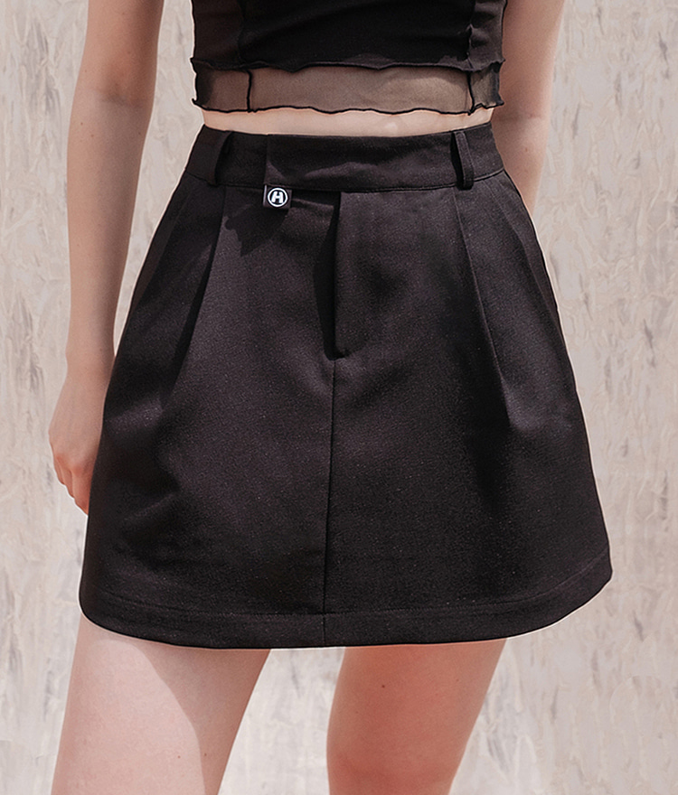 HIDE Pintuck Skirt (Black)